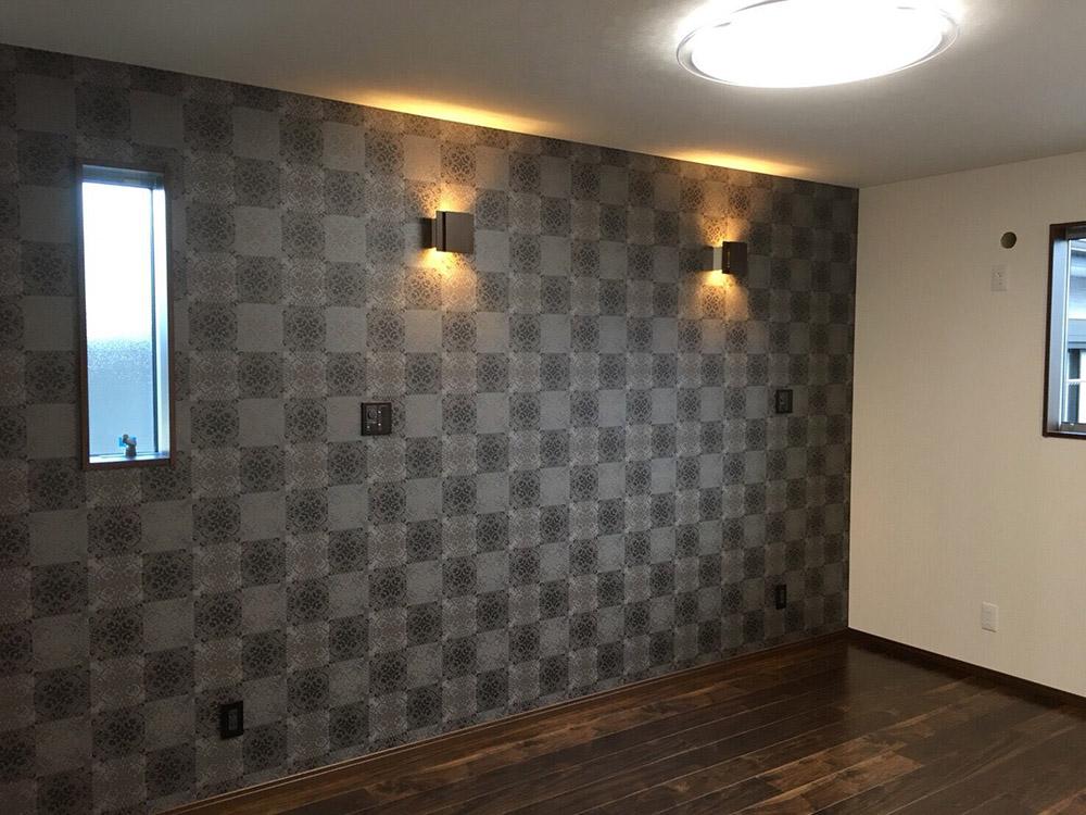 施工例10. 壁紙を替えてモダンな雰囲気に。